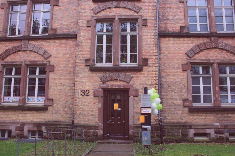 Foto Gebäudefront Backsteingebäude ehemalige Kaserne Offenburg, Weingartenstr. 32 (c)Jochen Walter 2016